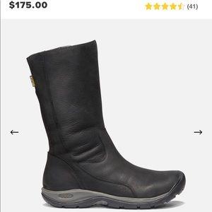 Keen black boots